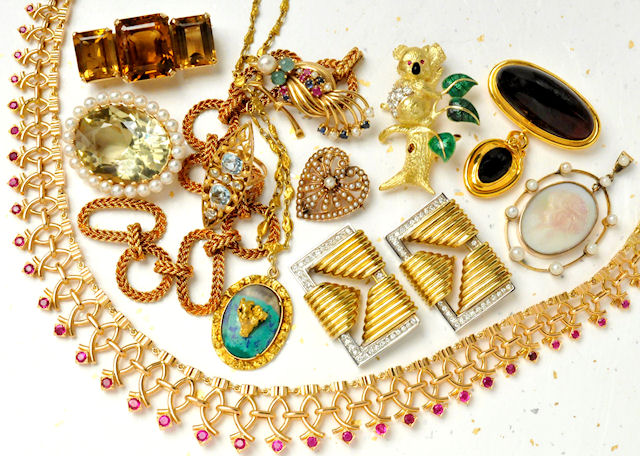 Bring your estate jewelry, no matter the type, to us!